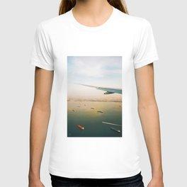 soaring over singapore T-shirt