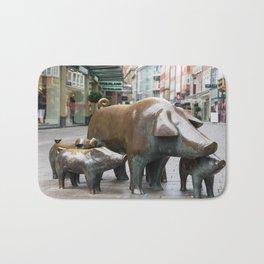 pig family Bath Mat