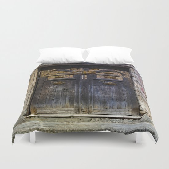 Old brown door Duvet Cover
