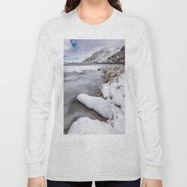 Snowfall at Ogwen Lake Snowdonia Long Sleeve T-shirt