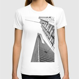 pyramid building and modern building in black and white at San Francisco, USA T-shirt