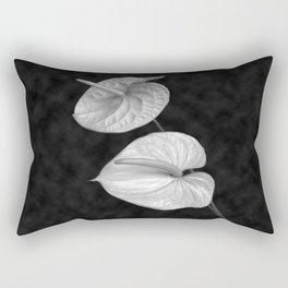 Zwei Blumen im Raum Rectangular Pillow