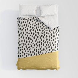 Dalmatian Spots with Yellow Stripe Comforters