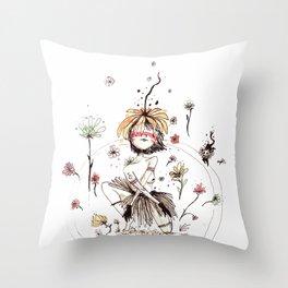 Flor Throw Pillow
