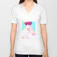 shinee V-neck T-shirts featuring Minho & Kitten by sophillustration