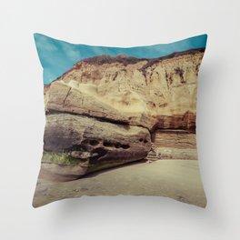 rock formation on solana beach, san diego, california Throw Pillow