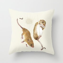 Harvest mice Throw Pillow