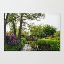 Canal in Giethoorn Village Canvas Print