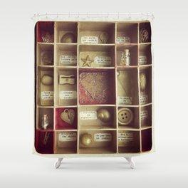 Cabinet de curiosités Shower Curtain