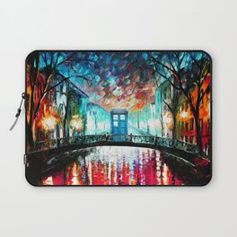 Tardis With Beautiful Starry Night Laptop Sleeve