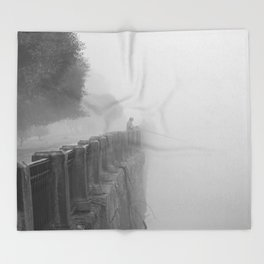 The fog-catcher Throw Blanket
