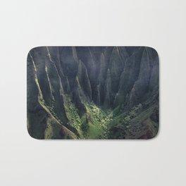 Breathtaking Hawaii Hanging Over Coastal Cliffs Bath Mat