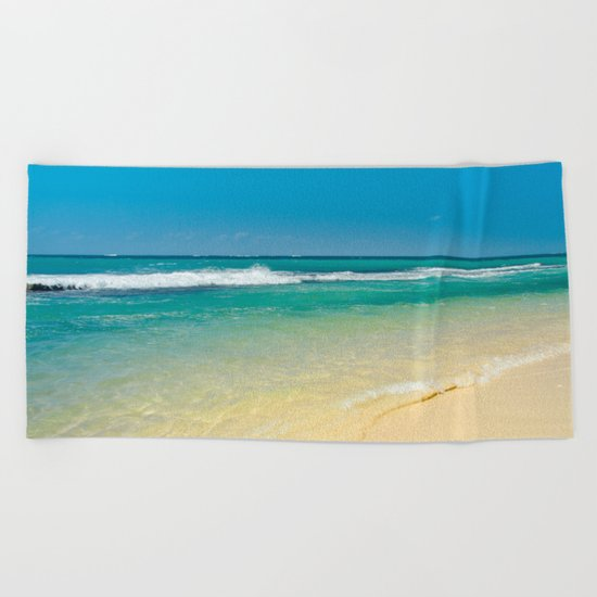maui beaches into the blue Beach Towel
