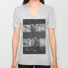 dining table with classic tablecloth in black and white Unisex V-Neck