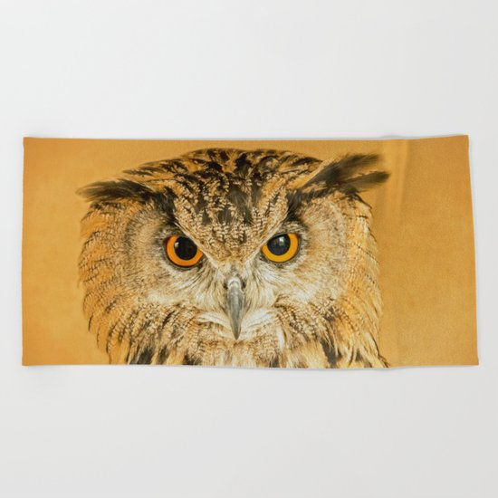 OWL RIGHT ON THE NIGHT Beach Towel
