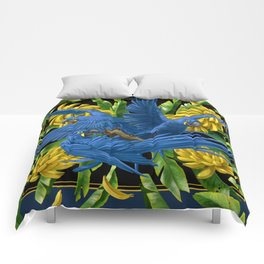 Hyacinth Macaws and bananas Stravaganza (black background). Comforters