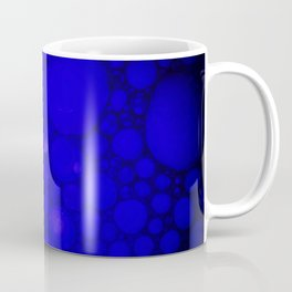 Blue Oil on Water Droplets Abstract Coffee Mug