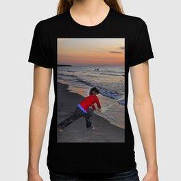 LITTLE DEVIL ON THE SUNSET BEACH T-shirt