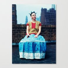 FRIDA IN NEW YORK Canvas Print