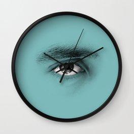 """""""Por cada minuto que cerramos los ojos perdemos sesenta segundos de luz."""" Wall Clock"""