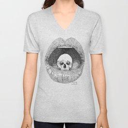 skull in lips Unisex V-Neck