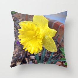 Drops on the Daffodils Throw Pillow