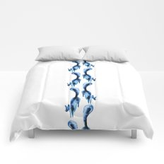 Running silver foxes Comforters
