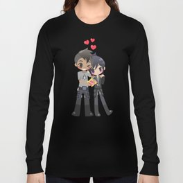 Mass Effect - Shepard and Vega hugs Long Sleeve T-shirt