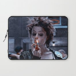 Marla Singer Smokes A Cigarette During Group Therapy - Fight Laptop Sleeve
