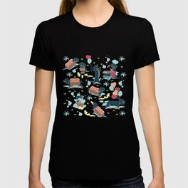 Hot dogs and lemonade // aqua background navy dachshunds T-shirt