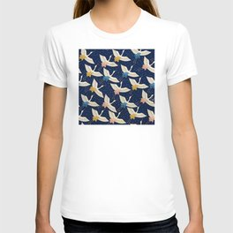 Vintage Japanese Pattern: Elegant Birds in Flight T-shirt