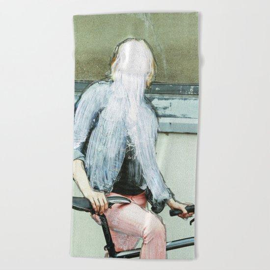 Sie hat die Nase gestrichen voll · Lost woman Beach Towel