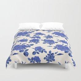 Seamless blue roses pattern Duvet Cover