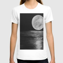 Moonlit. Sunset, water, moon, full moon, orginal painting by Jodilynpaintings. Black and white T-shirt