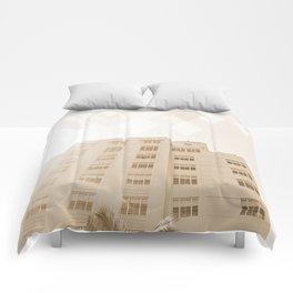 Beach hotel Comforters
