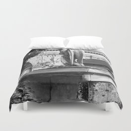 ancient angel on the memorial Duvet Cover