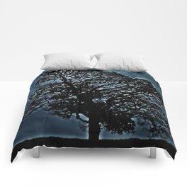 Tree. A simple tree. Comforters