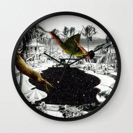 Piscine en Laine Wall Clock