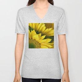Sunshine Yellow Daisy Flower Close-Up Photo Unisex V-Neck