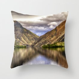 Snake River in Hells Canyon Throw Pillow