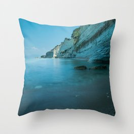 Mighty cliffs Throw Pillow