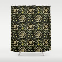 Florid-Facehugger (Black) Shower Curtain
