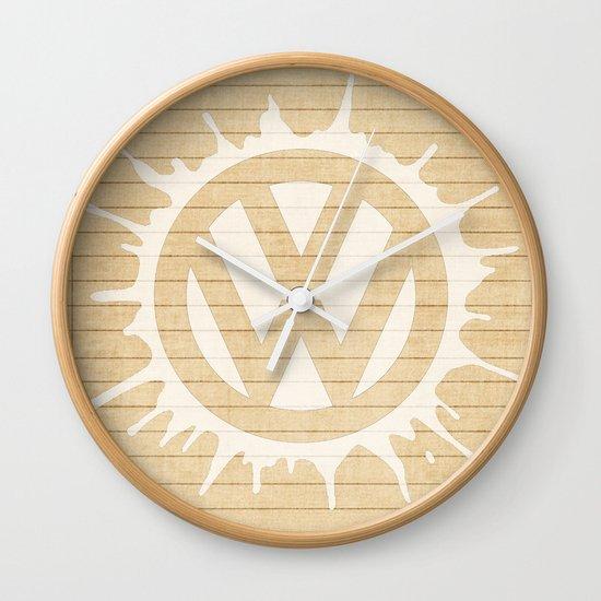 splat in white Wall Clock