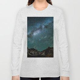 Milky Way over mountain range Long Sleeve T-shirt