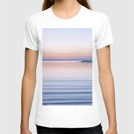 Pastel ripples sea and sky T-shirt