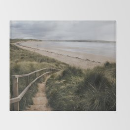 A day at the beach - Landscape and Nature Photography Throw Blanket