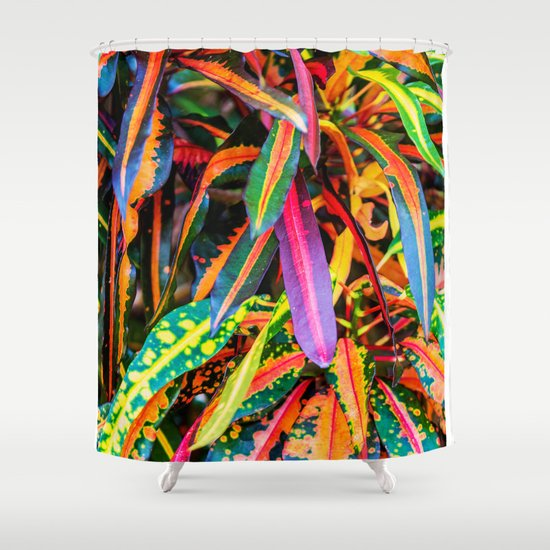 SIMPLY LEAVES Shower Curtain
