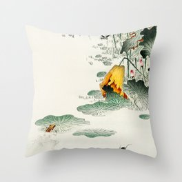 Frog in the swamp  - Vintage Japanese Woodblock Print Art Throw Pillow