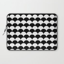 Black and White Clamshell Pattern Laptop Sleeve