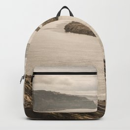 Columbia River Road Trip - Adventure Travel Photography Backpack